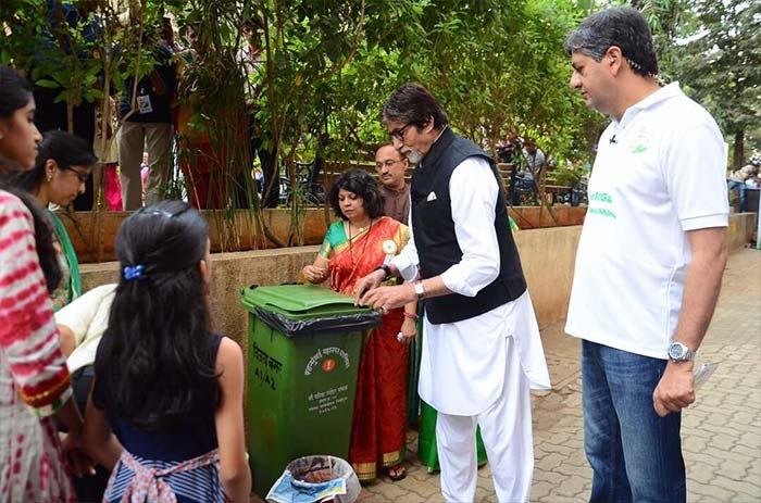 Amitabh Bachchan believes that people have a psychological barrier towards cleanliness, as everyone works towards cleaning their homes but not their surroundings. He further said that a campaign to change attitudes towards cleanliness needs to be initiated.