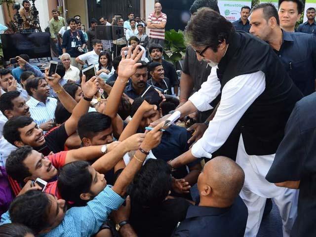 Amitabh Bachchan Endorses The 'Clean, Segregate, Compost' Mantra