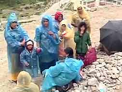 Photo : At Badrinath, thousands stranded; no damage to temple