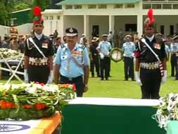 Photo : Uttarakhand: Guard of Honour for 20 bravehearts who died in the chopper crash