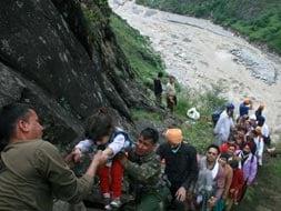 Photo : We're thinking of you, Uttarakhand, tweet SRK, others
