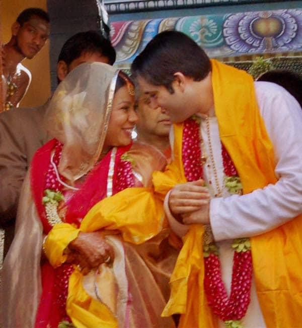 Varun Gandhi-Yamini Roy tie the nuptial knot