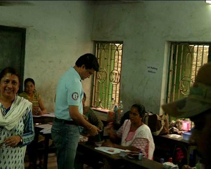 In Pics: Sourav Ganguly, Derek O\'Brien Vote In Kolkata