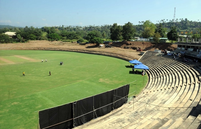 PALLEKELE CRICKET STADIUM (Kandy, Sri Lanka)<br><br> Capacity: 35,000<br><br> Although it is a new facility put in place especially for the World Cup, the pitches at Pallekele have had matches involving Under-19 and A teams since November 2009. There haven't been any complaints over the pitch during these matches, leaving the organisers supremely confident about the venue.