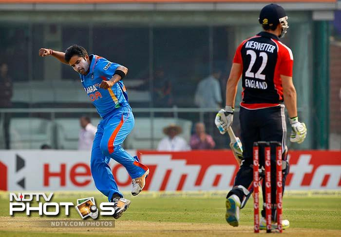 Craig Kieswetter also left without scoring when Vinay Kumar forced an edge for Virat Kohli to complete a regulation catch.
