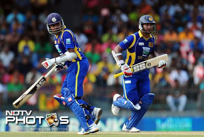Veterans Mahela Jayawardena and Kumar Sangakkara came together to stage a solid recovery for their side.