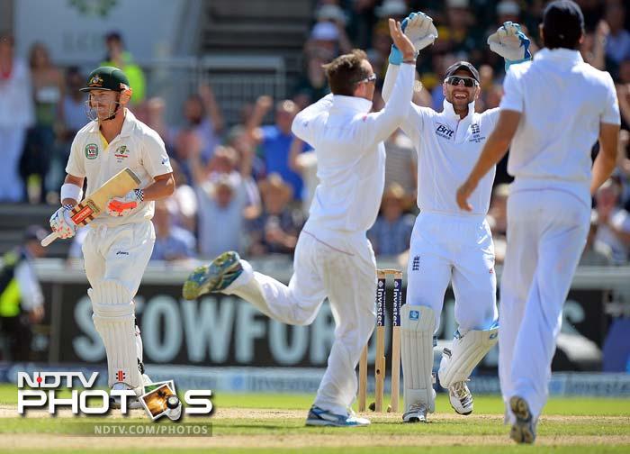 David Warner much hyped return was undone by Graeme Swann. Warner scored just 5 runs.