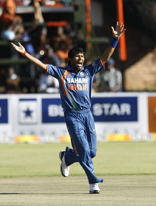 Indian bowler makes an appeal during the second innings. (AFP PHOTO)