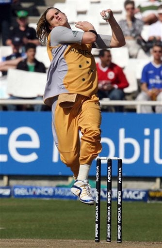Australia's Nathan Bracken, delivers a ball during their Twenty20 cricket match against Sri Lanka in Cape Town, South Africa, Thursday, Sept. 20, 2007.