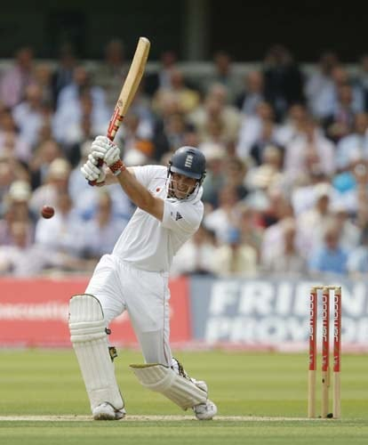 Andrew Strauss hits 4 runs against Asutralia during the first day of the second Ashes Test at Lord's. (AFP Photo)
