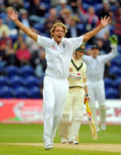 Stuart Broad celebrates after taking the wicket of Micheal Clarke on the third day of the first Ashes Test between England and Australia in Cardiff. (AFP Photo)