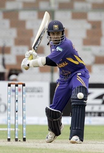 Sri Lanka captain Mahela Jayawardene prepares to pull a ball against India in Karachi.