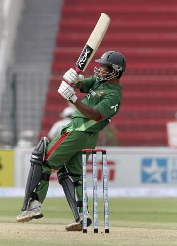Bangladesh captain Mohammad Ashraful pulls against the UAE in Lahore on Tuesday.