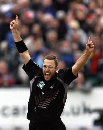 New Zealand captain Daniel Vettori celebrates the wicket of England's Stuart Broad in the third ODI in Bristol.