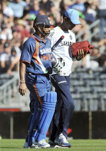 Sachin Tendulkar retires injured, 163 not out against New Zealand in the 3rd One-Day International at AMI Stadium in Christchurch. (AP Photo)