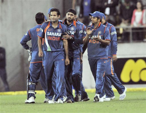 Irfan Pathan gets encouragment from Harbhajan Singh with one ball to go against New Zealand in the second Twenty20 International at Westpac Stadium in Wellington. (AP Photo)
