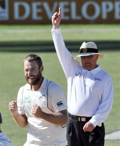 Daniel Vettori celebrates as umpire Ian Gould signals the dismissal of India's Rahul Dravid for 62 during the 4th day of the 2nd Test at McLean Park in Napier on Sunday. (AP Photo)