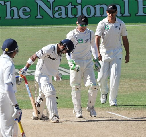 Gautam Gambhir looks down in disbelief that he has been dismissed lbw for 137 from the bowling of New Zealand's Jeetan Patel on the 5th day of the 2nd Test at McLean Park in Napier on Monday. (AP Photo)