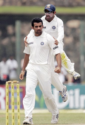 Zaheer Khan and Gautam Gambhir celebrate the dismissal of Kumar Sangakkara during fourth day of the second Test between India and Sri Lanka in Galle on August 3, 2008.