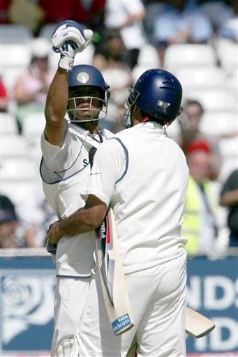 India's Rahul Dravid, left, punches the air after his team beat England in the second Test cricket match at the Trent Bridge ground Nottingham on Tuesday.