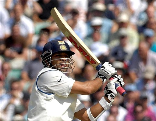 India's Sachin Tendulkar hooks the ball for 4 runs during the second day of the third cricket test match at The Oval, in London on Friday.
