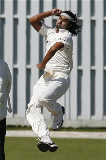 Ranadeb Bose bowls during their cricket match against Sussex, Hove, Britain, Sunday July 8, 2007. India will face England in the first test at Lords Thursday July 19, 2007.