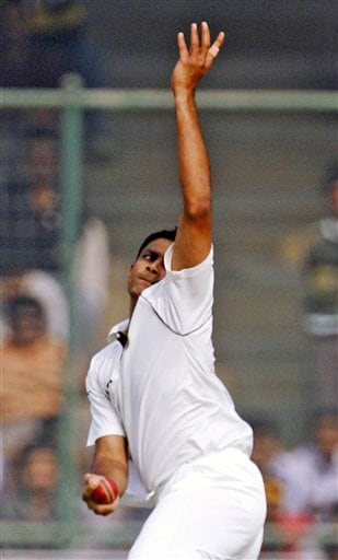 Anil Kumble bowls against Pakistan in the first Test match in New Delhi on Thursday, Nov 22, 2007.