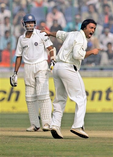 Pakistan's Shoaib Akhtar, right, appeals unsuccessfully against India's Wasim Jaffer, on the second day of the first Test match, in New Delhi on Friday, Nov 23, 2007.