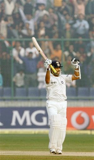 Sachin Tendulkar celebrates after hitting the winning stroke to beat Pakistan in the first Test match in New Delhi on Monday, Nov 26, 2007.