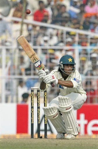 Pakistan's Mohammad Sami ducks during a delivery of India's Zaheer Khan, unseen, during the fourth day of second Test at Kolkata on Monday, Dec 3, 2007. India leads 1-0 in the three Test series.