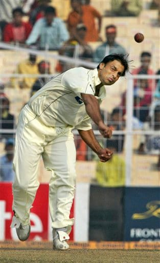 Pakistan's Sohaib Akhtar bowls during the fifth day of second Test match in Kolkata on Tuesday, Dec 4, 2007.