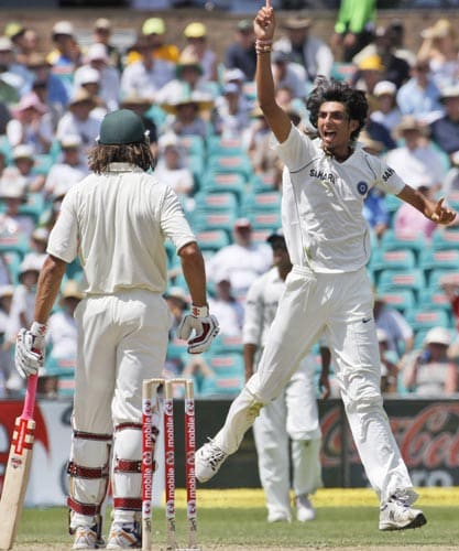 Ishant Sharma right, appeals for the wicket of Australia's Andrew Symonds during the second Test against India in Sydney on Wednesday, January 2, 2008.