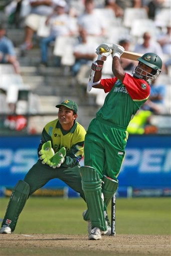 Bangladesh's batsman Zunaed Siddique, hits out a ball during their ICC Twenty20 Cricket World Cup match against Pakistan in Cape Town, South Africa, Thursday Sept. 20, 2007.
