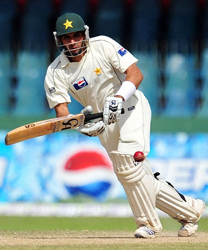 Misbah-ul-Haq bats during the third and final Test match between Sri Lanka and Pakistan at The Sinhalese Sports Club in Colombo. (AFP Photo)