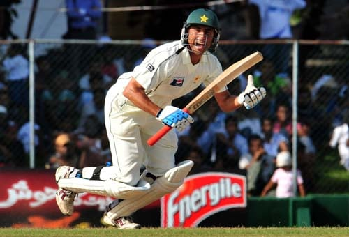 Younus Khan runs between wickets during the second day of the second Test match between Pakistan and Sri Lanka at The P. Saravanamuttu Stadium in Colombo. (AFP Photo)