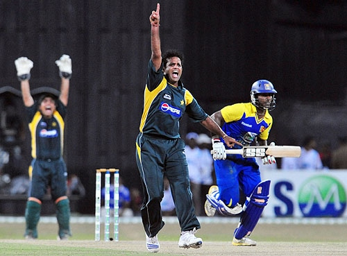 Naved-ul-Hasan successfully appeals for a Leg Before Wicket decision against Mahela Udawatha during a Twenty20 match between Sri Lanka and Pakistan in Colombo. (AFP Photo)