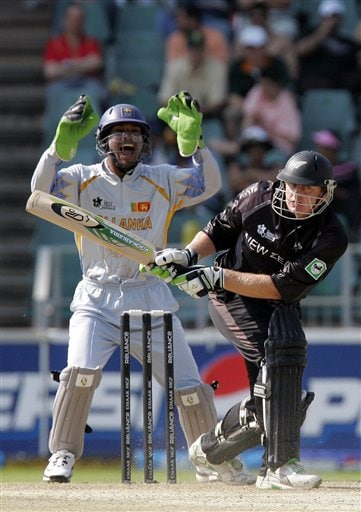 Sri Lanka's wicketkeeper Kumar Sangakkara, left, appeals successfully for a LBW to dismiss New Zealand's batsman Scott Styris, right, for 2 runs during their Twenty20 World Championship cricket against New Zealand at the Wanderers Stadium in Johannesburg, South Africa, Saturday, Sept. 15, 2007.