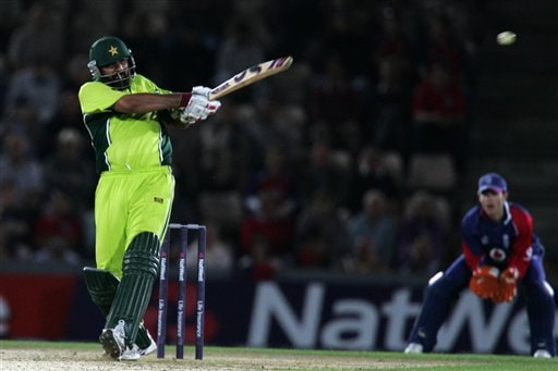 Pakistan's Inzamam-ul-Haq hits the winning runs from a ball from England's Rikki Clarke (not in picture) during the third ODI at Rose Bowl in Southampton on Tuesday.