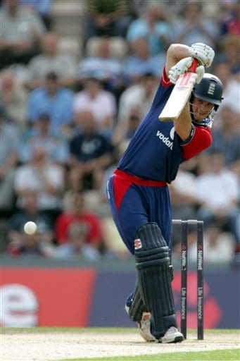 England's Andrew Strauss drives a ball from Pakistan's Mohammad Asif (not in picture) during the third ODI at Rose Bowl in Southampton on Tuesday.
