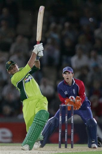 Pakistan's Younis Khan hits a six from a ball from England's Kevin Pietersen (not in picture) during the third ODI at Rose Bowl in Southampton on Tuesday.