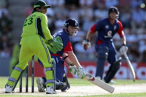 England's James Dalrymple sweeps a ball from Pakistan's Mohammad Hafeez (not pictured) during the third ODI at Rose Bowl in Southampton on Tuesday.