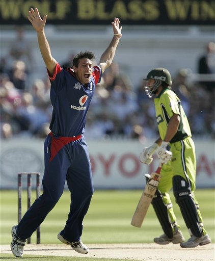 England's Sajid Mahmood appeals succesfully for the wicket of Pakistan's Shahid Afridi during the fourth ODI at Trent Bridge Cricket Ground, Nottingham on Friday.
