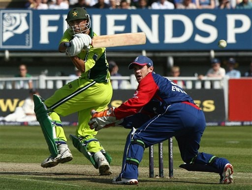 England wicketkeeper Chris Read watches the ball fly over his head off the bat of Pakistan's Younis Khan during the fifth ODI at Edgbaston on Sunday.