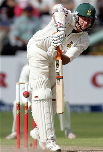South Africa's batsman Graeme Smith, bats on the second day of the 3rd and final Test match against India at Newlands stadium in Cape Town, South Africa, Wednesday.