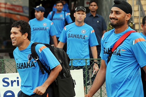 India's Sachin Tendulkar, Harbhajan Singh and teammates arrive for a practice session at The R Premadasa Stadium in Colombo on Wednesday. (AFP Photo)