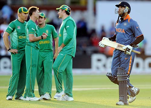 India's Yuvraj Singh leaves the field during the Super 8 stage of the ICC World Twenty 20 match against South Africa at Trent Bridge in Nottingham. South Africa beat India by 12 runs in the final Group E Super Eights match. (AFP Photo)