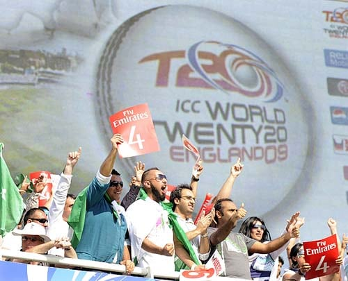 Pakistan supporters celebrate a boundary during the ICC World Twenty20 final against Sri Lanka at Lord's in London. Pakistan won their first major title in 17 years when they stunned Sri Lanka by eight wickets. (AFP Photo)