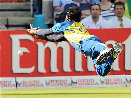 Sri Lanka's Angelo Mathews dives but fails to catch the ball during their ICC World Twenty20 final match against Pakistan at Lord's cricket ground in London. (AP Photo)