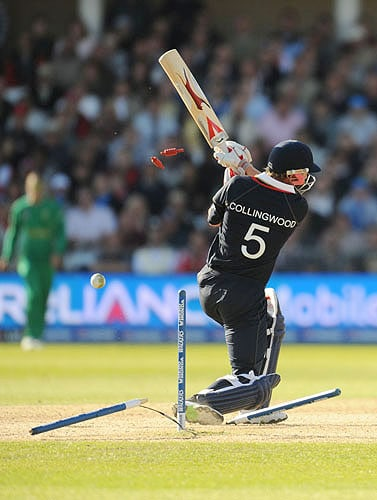 England's Paul Collingwood is bowled out by South Africa's Jacques Kallis during the Super 8 stage of the ICC World Twenty20 at Trent Bridge in Nottingham. (AFP Photo)