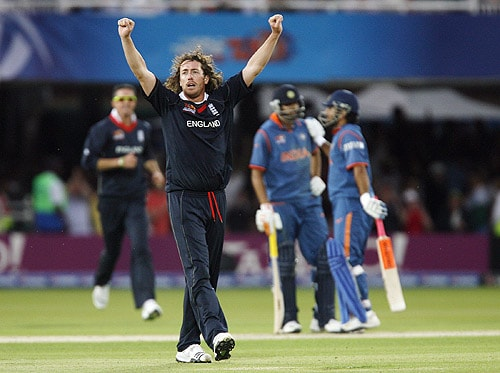 England's Ryan Sidebottom celebrates beating India by three runs during the Super 8 stage of the ICC World Twenty20 at Lords in London. (AFP Photo)